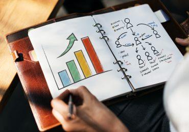 Investor Pitch Deck / Investor Presentation Design
